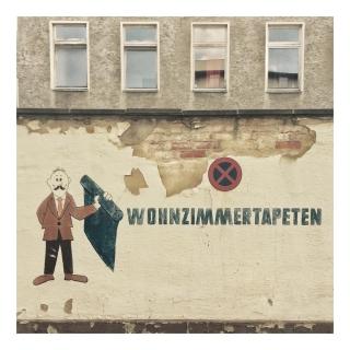 Tapetenladenmännchen 1/3 #basicgermanwords (Wohnzimmer = living room, Tapete = wallpaper) #wuvgram